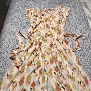 Lauren Conrad size small summer flowy dress